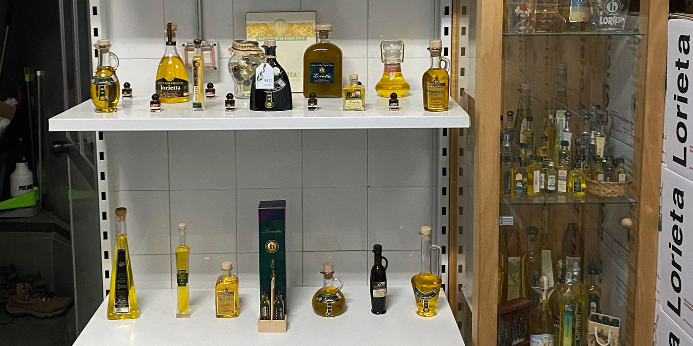 Muestrario botellas de cristal y aceiteras