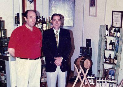 Exposición de Aceites Hurtado en una feria con José Carlos Hurtado